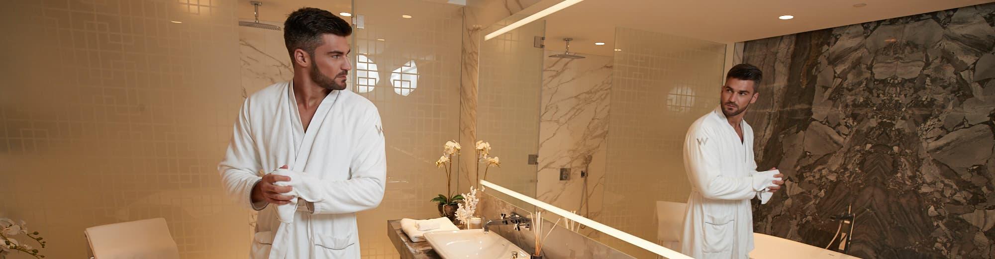 a-luxury-bathroom-w-residences-dubai